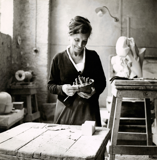 Louise Bourgeois in her studio, circa 1946. Photo: Louise Bourgeois Archive.