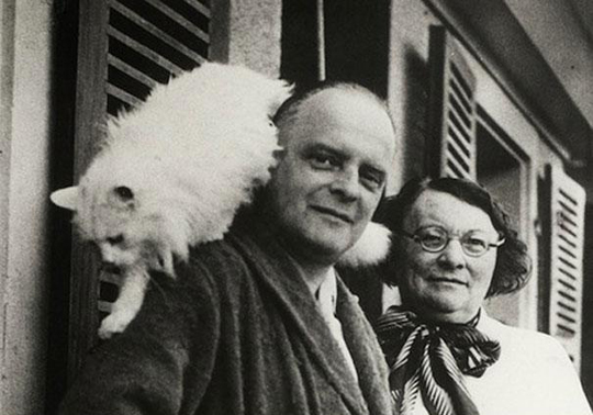 Paul Klee with kitty, Bimbo.